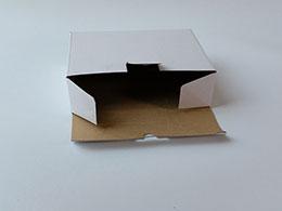 In hộp bồi caston trắng 1